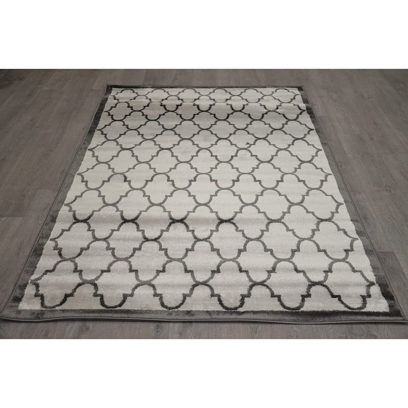 (D317) Light Grey & Dark Grey Quatrefoil Design, 8x10