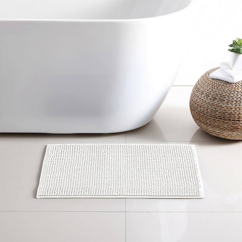 Noodle Bath Rug, White