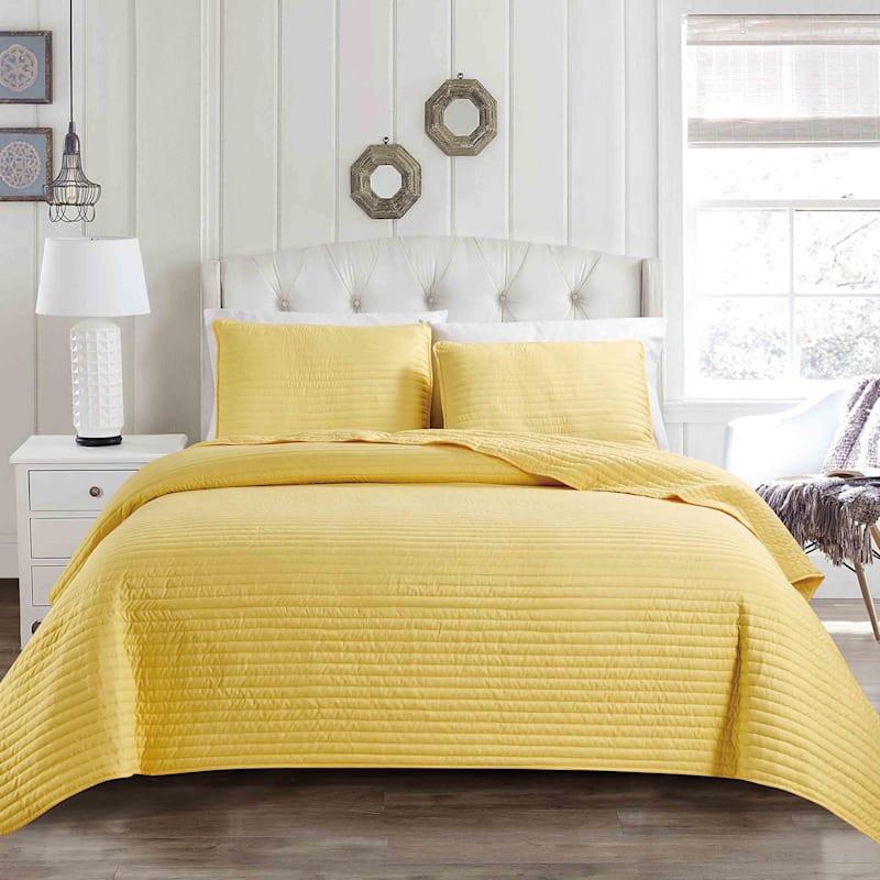 Yellow 3-Piece Quilt Set, Queen