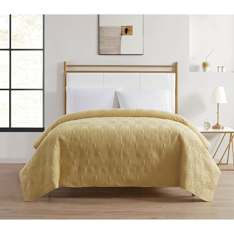 Veja Yellow Pinsonic Quilt, Twin